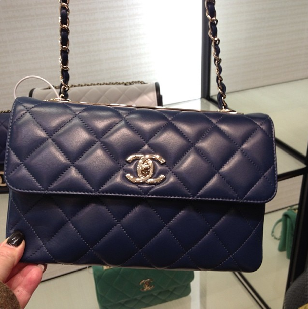 Black Chanel bag reference guide new photo