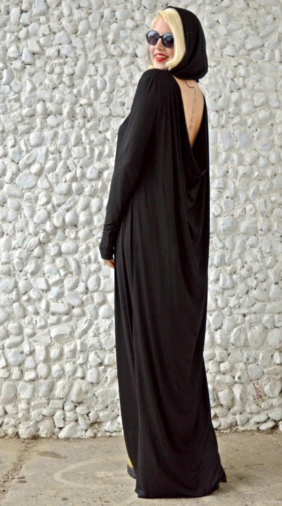 Schwarze Maxi-Kleid hergestellt aus feinster Viskose ...