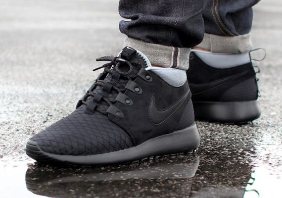 Nike Roshe Run Sneakerboot – Black Silver  077a38dc3