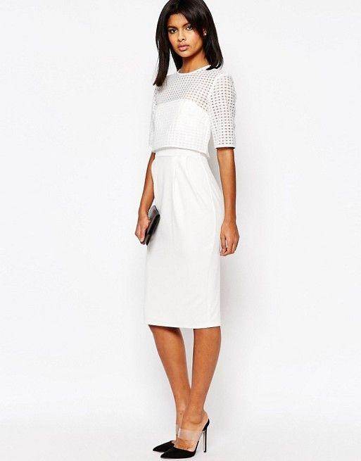 Kleid mit kurzem spitzenoberteil