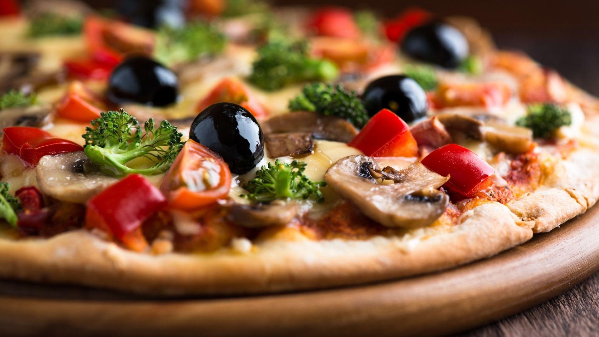 Fare-la-pizza-con-la-macchina-del-pane. La ricetta originale della pizza per la…