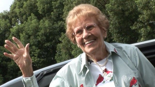 92 year-old Rachel Veitch and her 1964 Mercury with 500k miles visits Jay Leno.