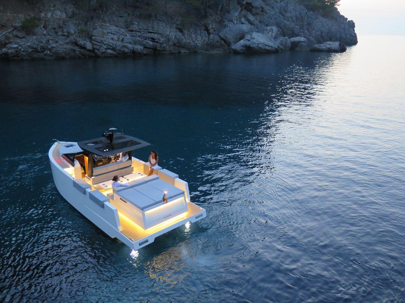 De antonio yachts cruises boats yachts yacht design yacht