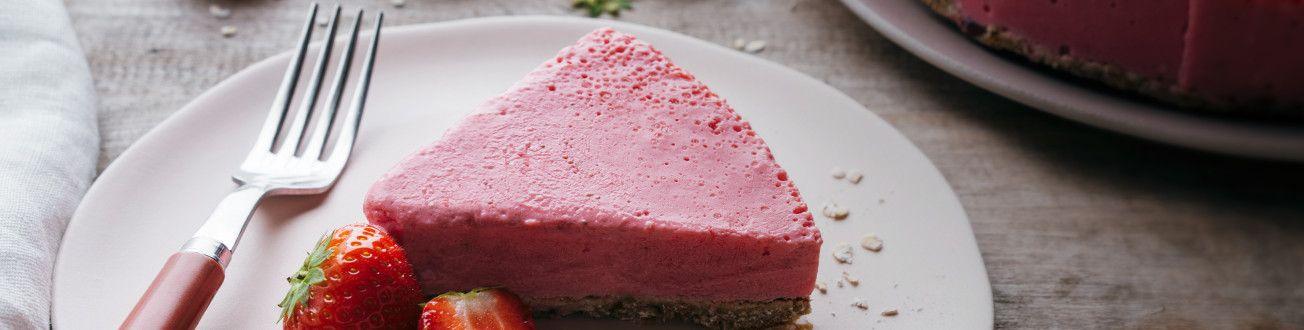 veganer-erdbeer-käsekuchen