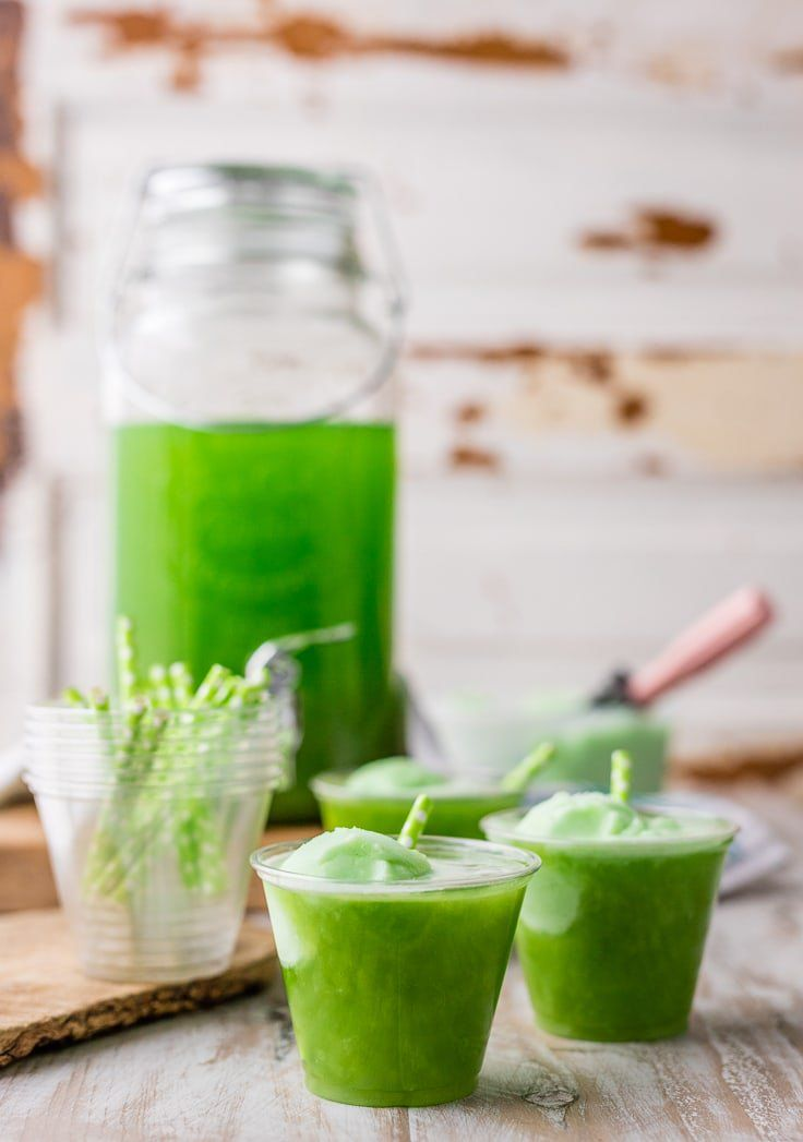 Green st patricks day punch perfect for celebrating