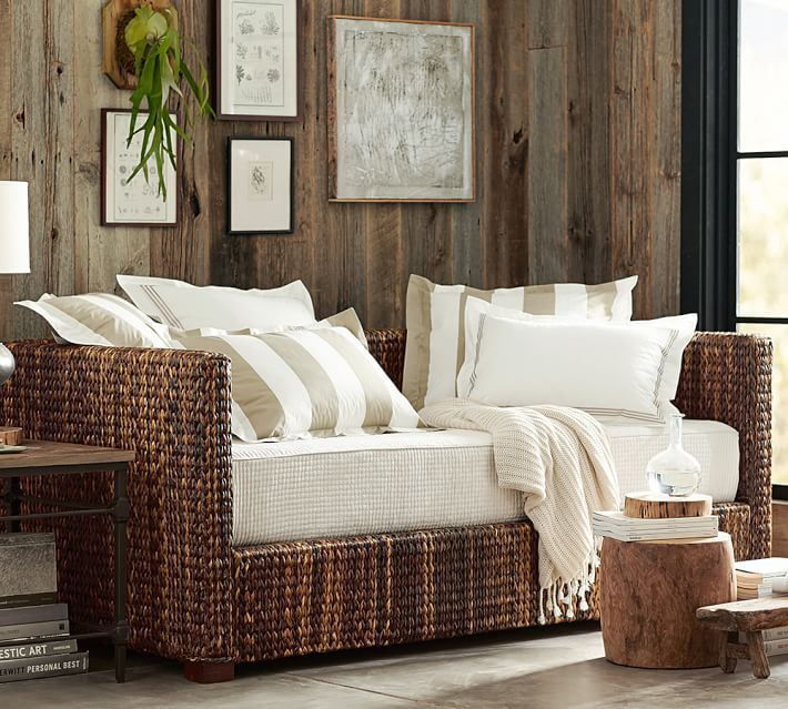Seagrass Daybed With Trundle