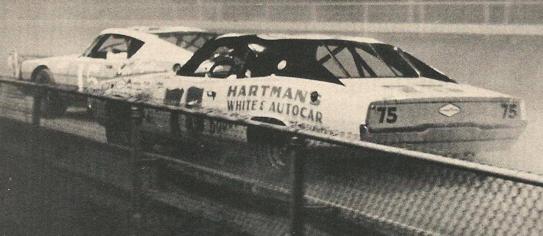 Butch Hartman chases down Parnelli Jones