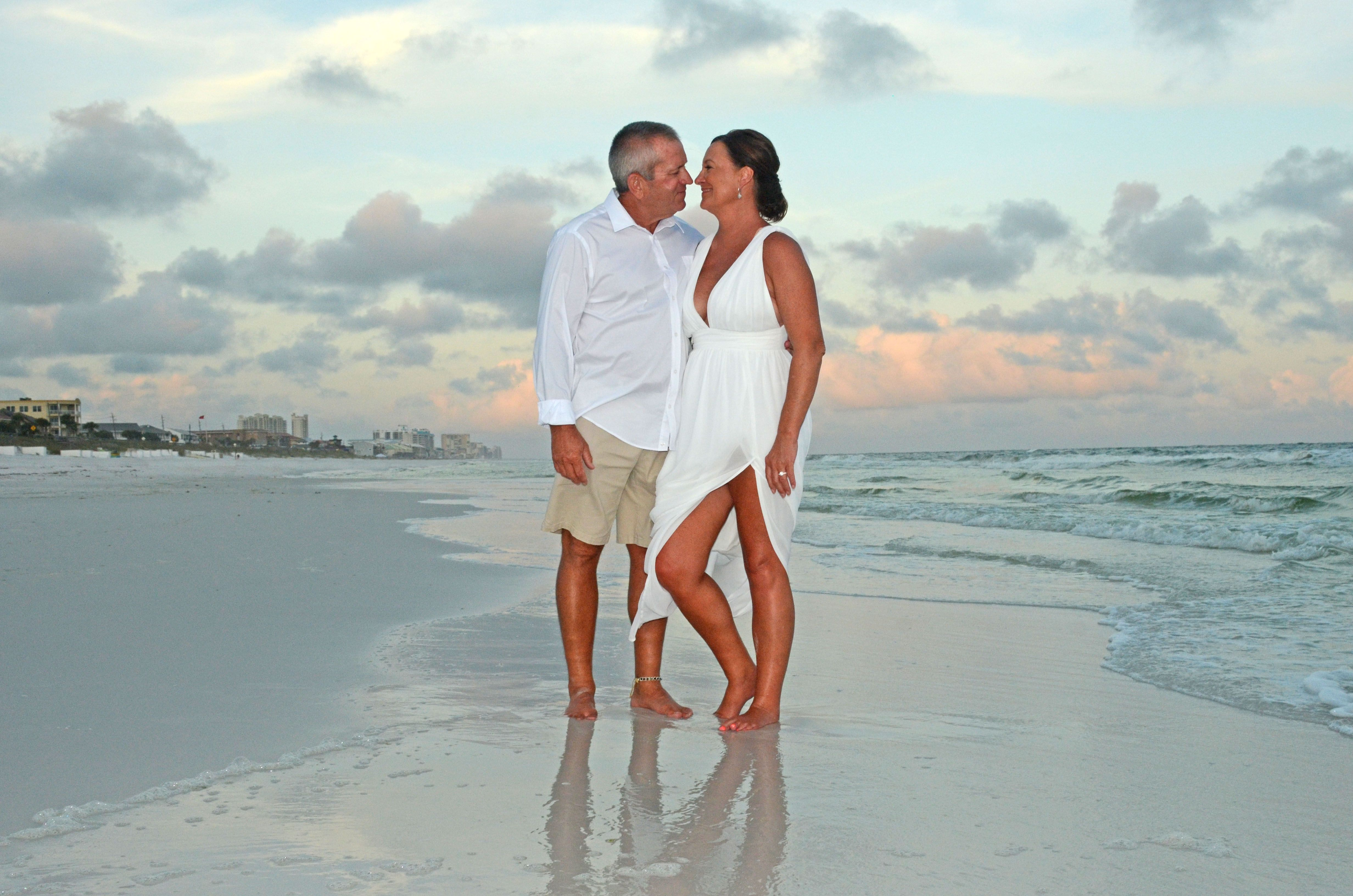 Florida Beach Wedding In 2020 Florida Beach Wedding Beach Destination Wedding Beach Wedding