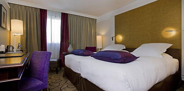 Chambre supérieure avec lit king size à l\'Hôtel Pullman Montpellier ...