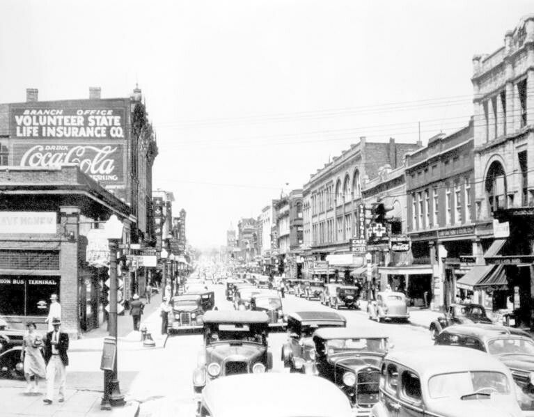 Downtown Bristol 1930 S With Images Virginia History Old Time