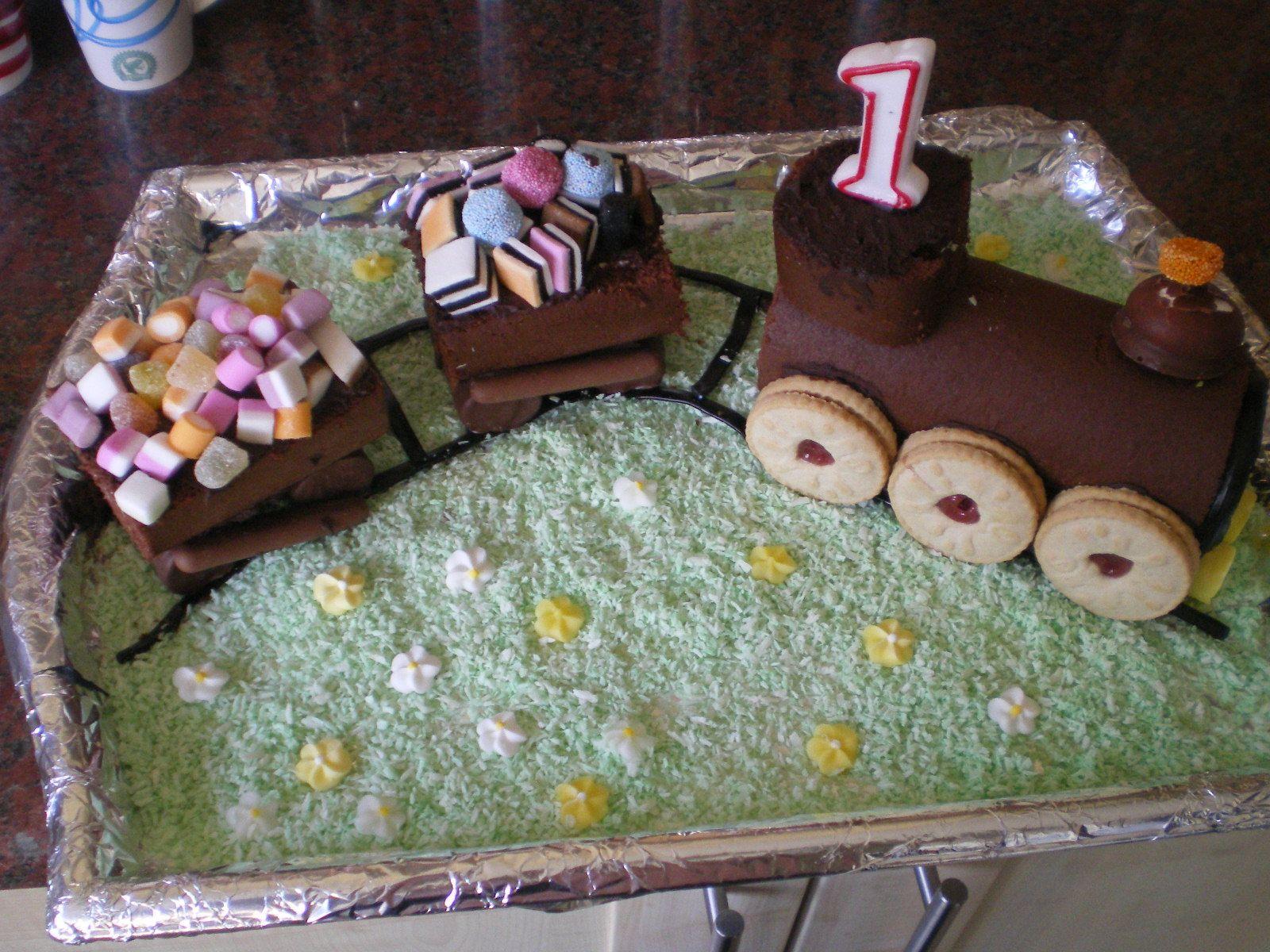 chocolate train cake children s birthday cakes pinterest on chocolate train birthday cake recipe