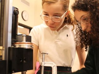 All-Girls School Designs Way to Close Gender Gap in Math and Science - Yorkville - DNAinfo.com New York