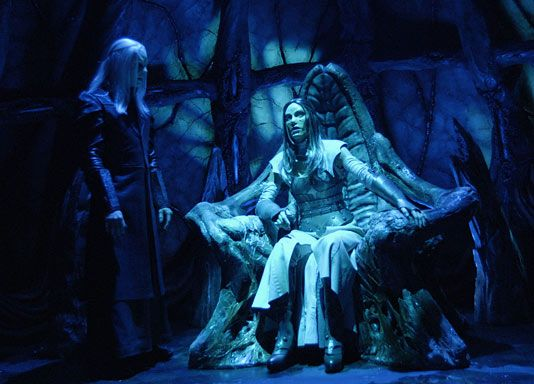 Wraith Queen Vs Big Sister Stargate Stargate Atlantis Scifi Adventure