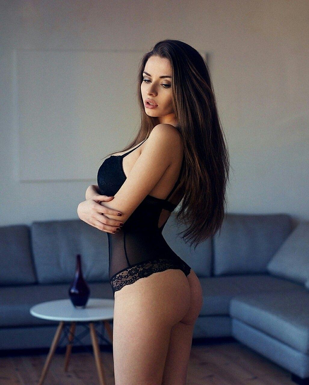 Hot chubby girl next door pics