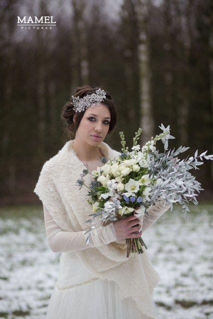 Carska Zima Slub I Wesele W Zimie Sesja Zdjeciowa Muscari Flower Girl Dresses Wedding Dresses Flower Girl