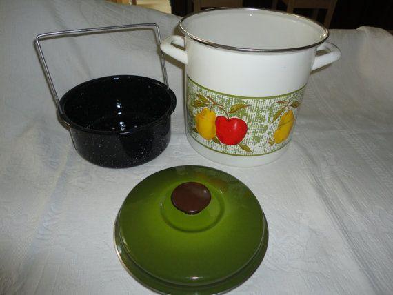 Best Vintage White Enamel Steamer Cooking P*T Avocado Green Lid 400 x 300