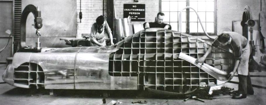Pin By Hiperlightflyguy On Wood Carved Bodies Bristol Cars Metal Shaping Classic Car Restoration