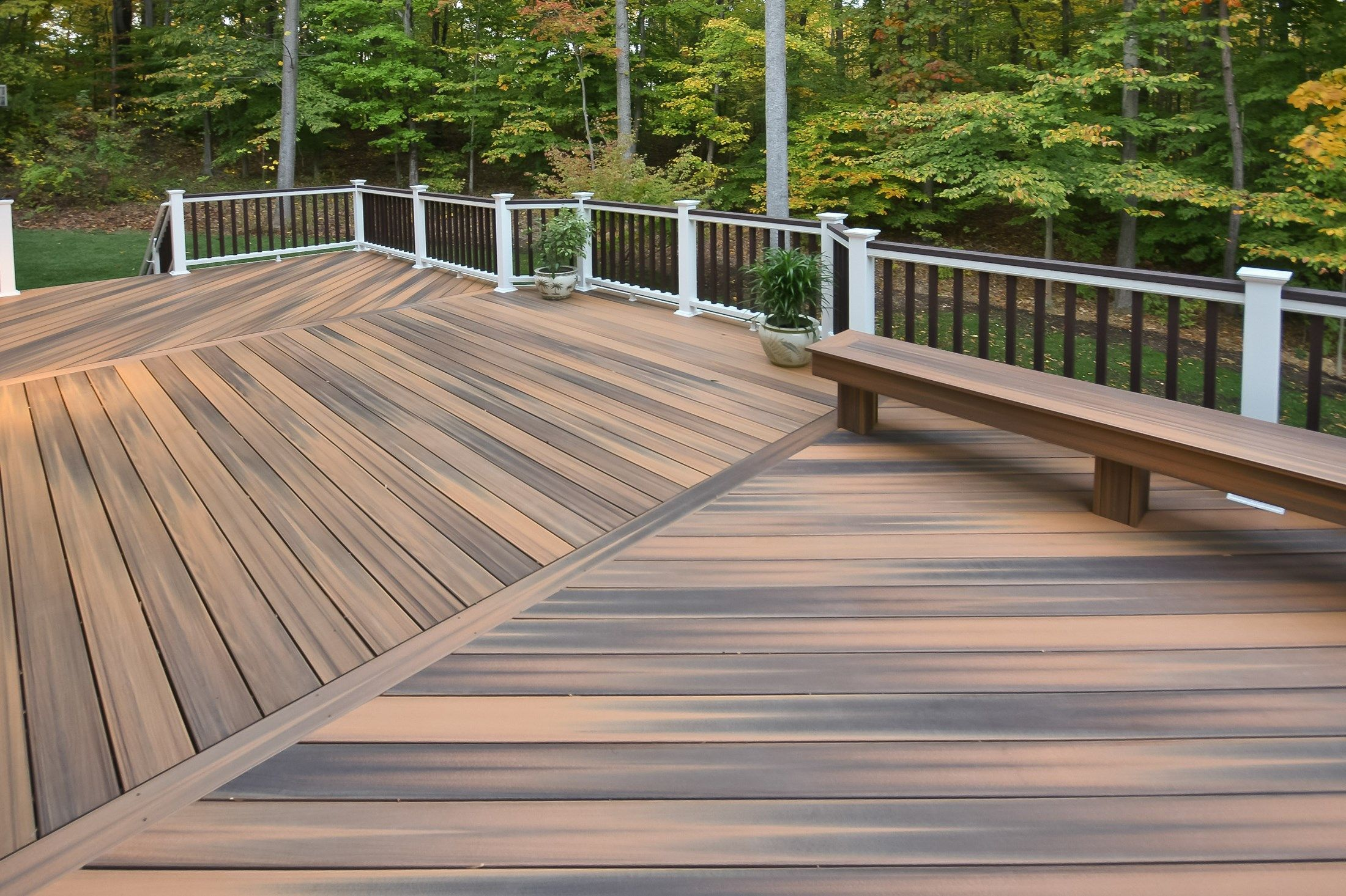 Many Times The Deck Is Wider Then The Longest Decking Board Available So Random Joints Should Be Placed And Staggere Backyard Traditional Porch Decks Backyard