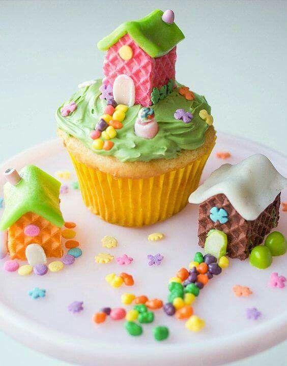 Fairy House cupcakes | Creative cake decorating, Cupcake ...