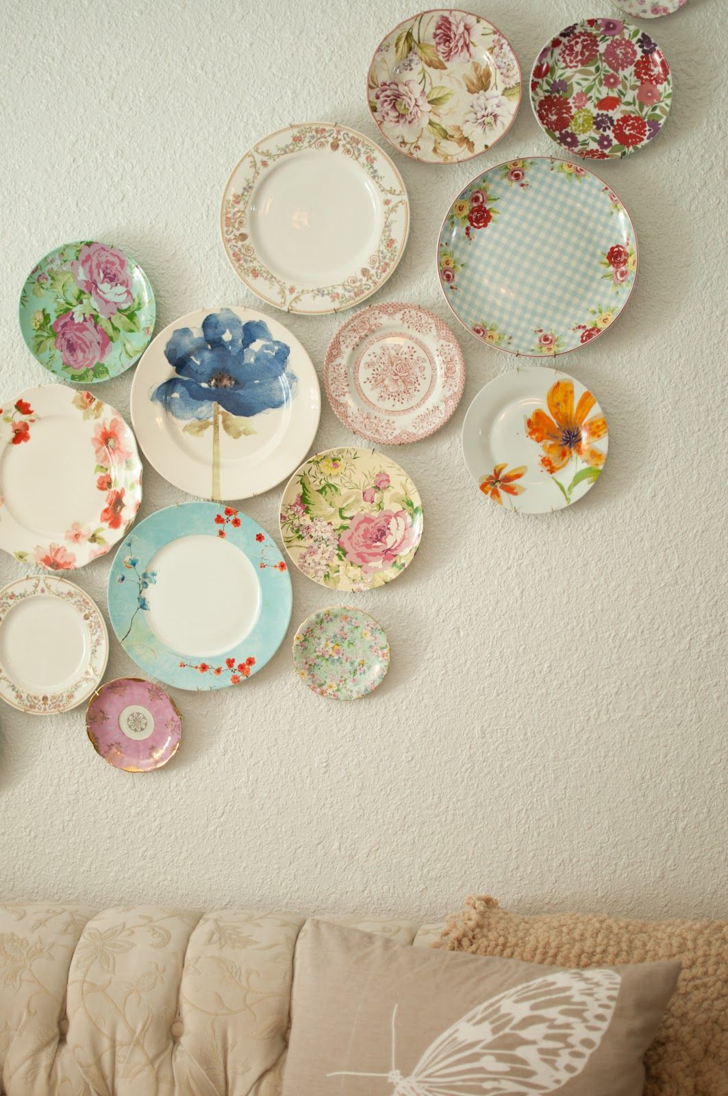 plates on the wall as decor & plates on the wall as decor | Walls | Pinterest | Walls Plate wall ...