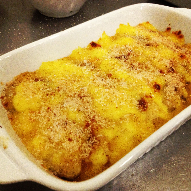 Cartola - banana, queijo, açúcar e canela.