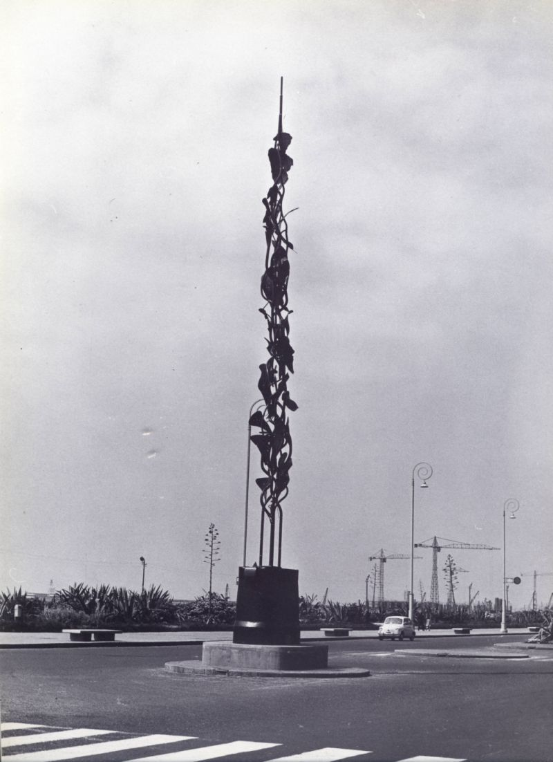 NINO FRANCHINA, COMMESSA 60124, 1959,   Genova, Corso Marconi   (Rimossa - è ancora visibile la base all'incrocio con via Rimassa)