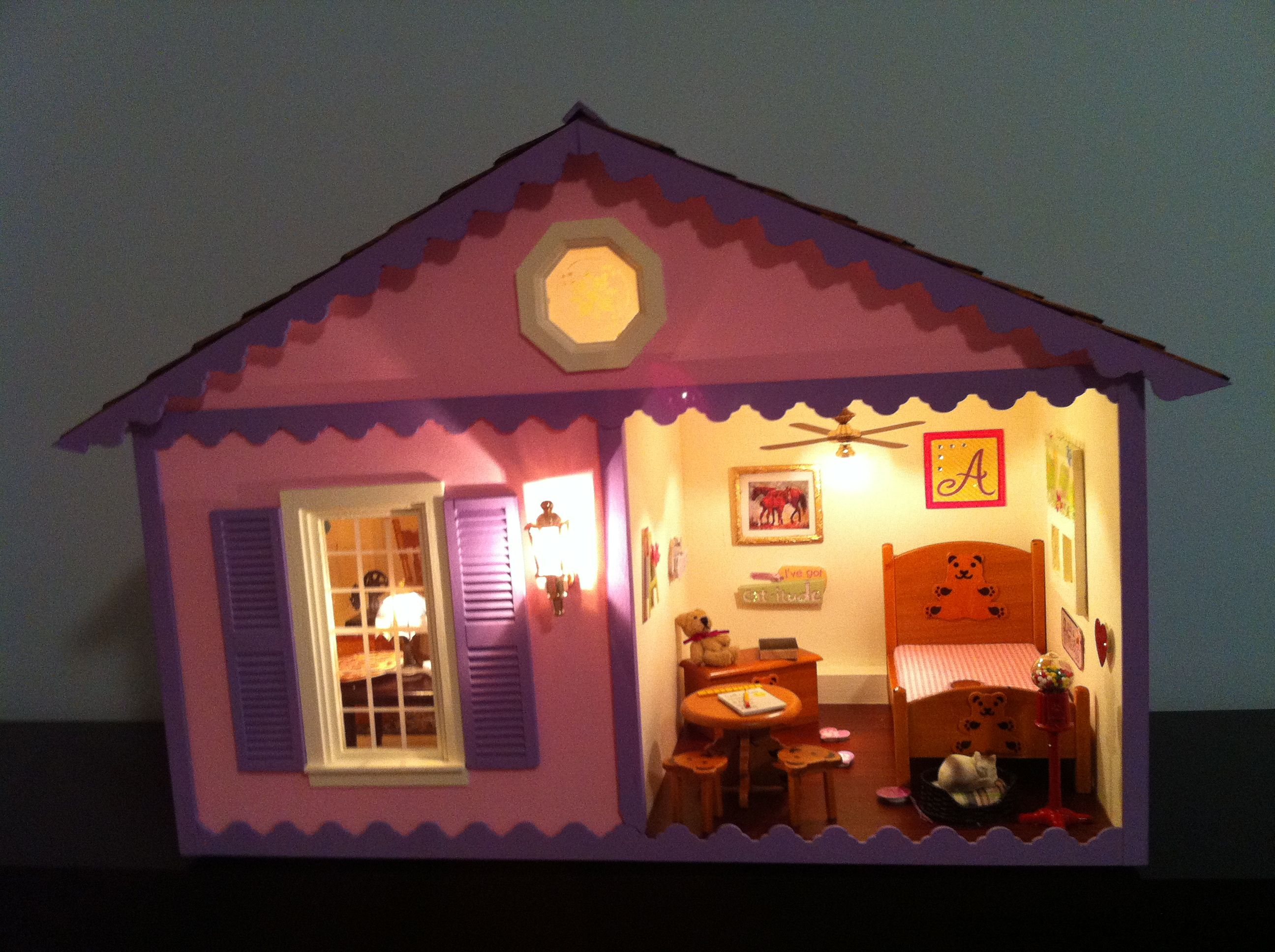 Cute Little Dollhouse Night Light Supplies Bought At Hobby Lobby So Adorable Easy Diy Crafts Easy Crafts Girls Playhouse