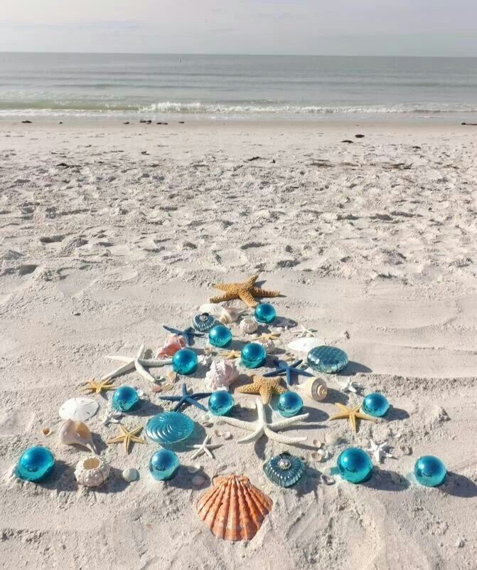 Beach Christmas. This. Is. My. Perfect. Idea. Of. The. Holidays.