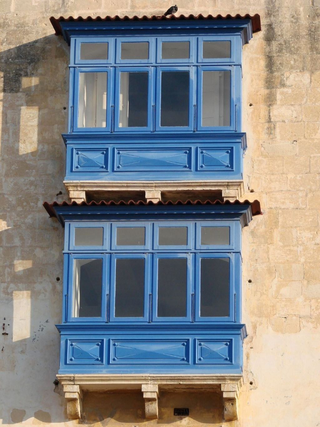 Outdoor Blue Painted Maltese Balconies : Different Types Of Outdoor Balcony