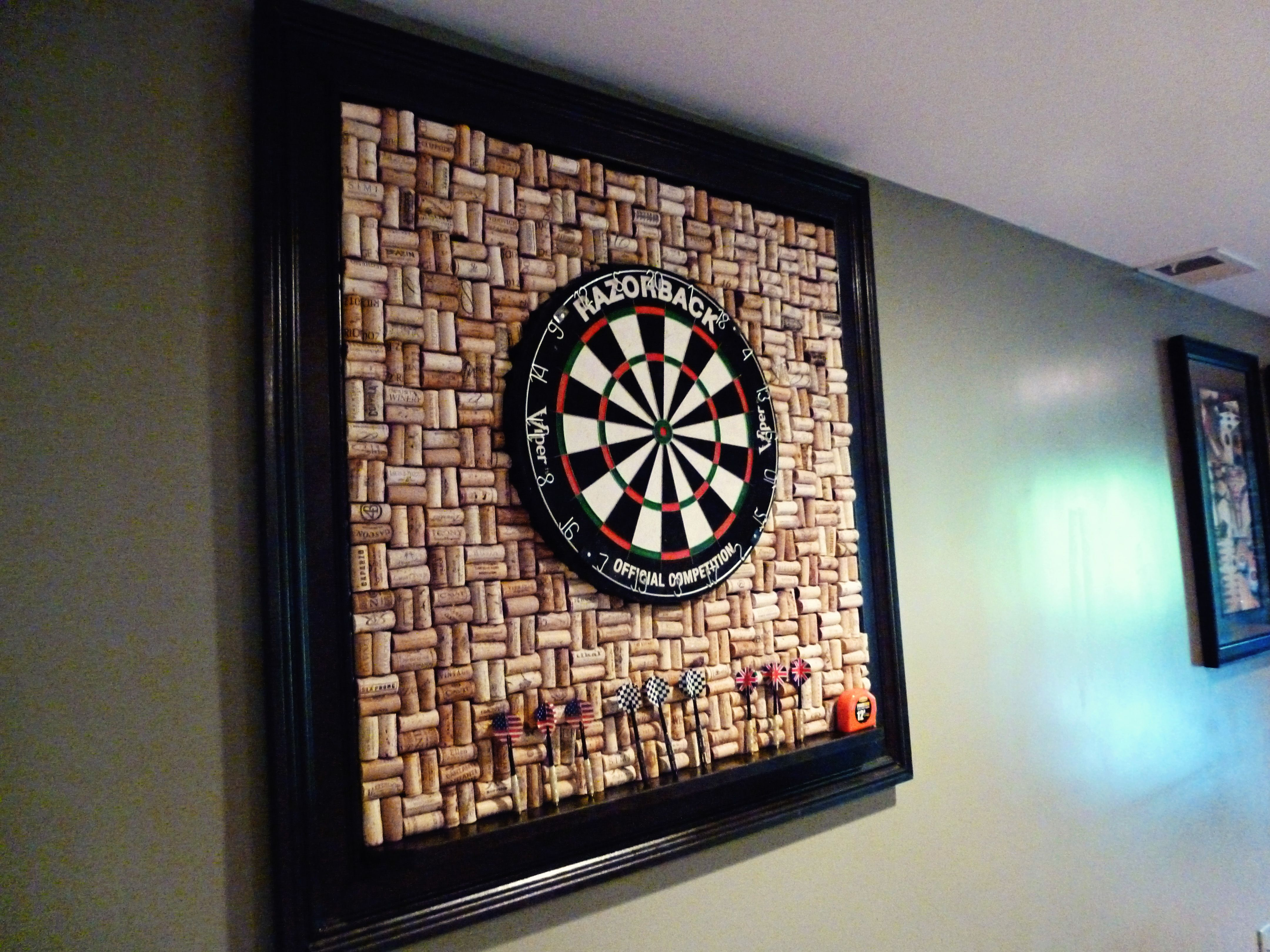 what to do with 500 wine corks dartboard project neat ideas pinterest cork wine and. Black Bedroom Furniture Sets. Home Design Ideas