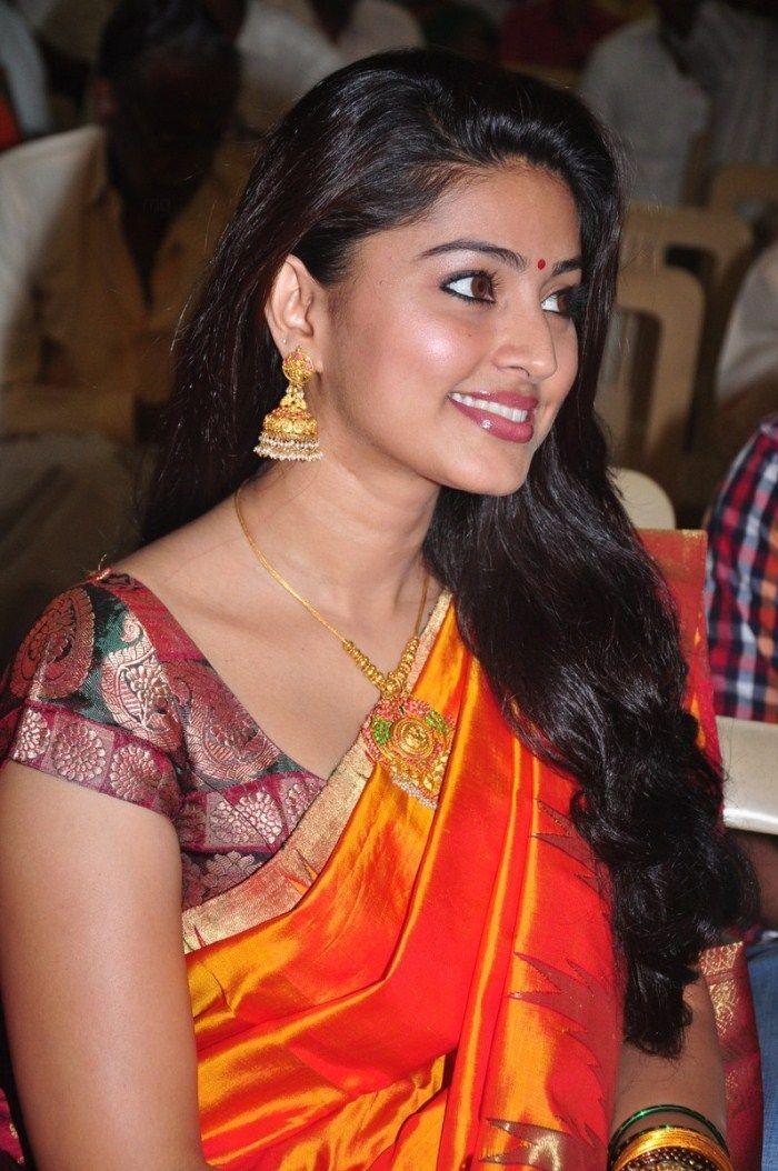 tamil+actress+sneha+saree+stills+2.jpg (700×1054) | Queen ...