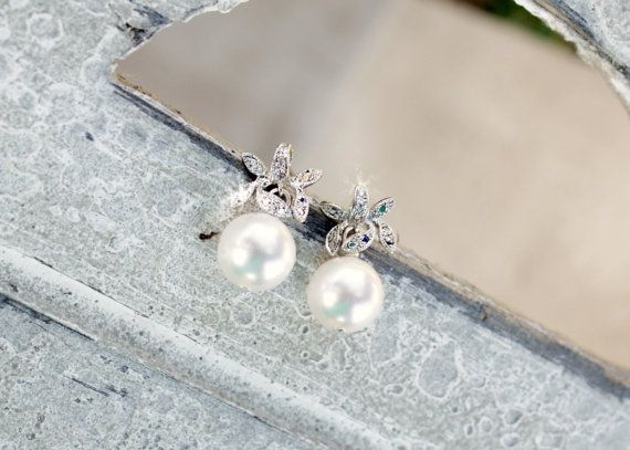 Vintage Leaf and Pearl earrings small by AuroraBridal, $39.00