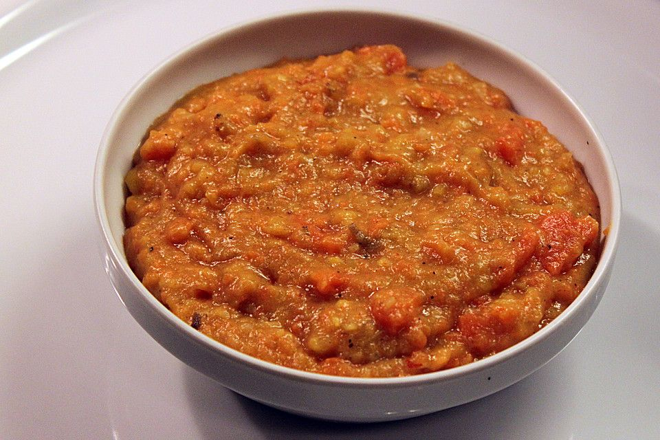 Kochbananen-Möhren-Stampf mit Ingwer