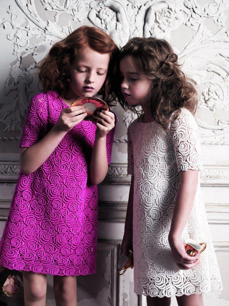 Платья для девочек 10 лет (116 фото)  на свадьбу, красивое, модные,  повседневные, короткие, со шлейфом f824371a629
