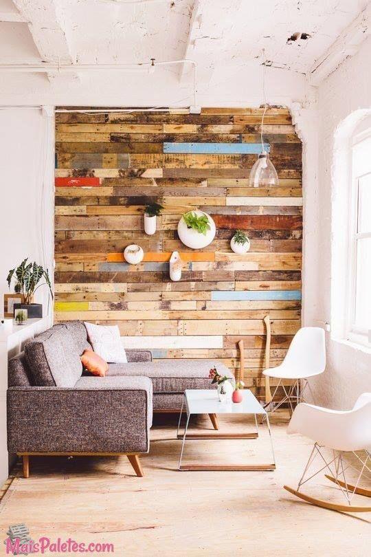 paredes forradas com madeira reutilizada hauss