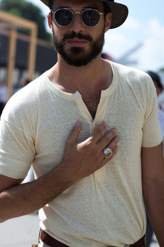 les 25 meilleures id es concernant homme barbu sur pinterest hommes sexy barbu et coupe de barbe. Black Bedroom Furniture Sets. Home Design Ideas