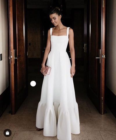 Elegant White Satin Wedding Dress Straps Bateau Neck Floor Length Simple High Quality Bride Gowns Trendy Dresses Dresses Pleated Dress