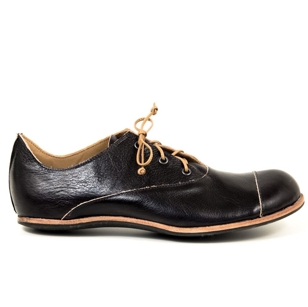 Cliff Dweller for Cydwoq Shoes Fox-M in black with tan trim at Bulo Shoes