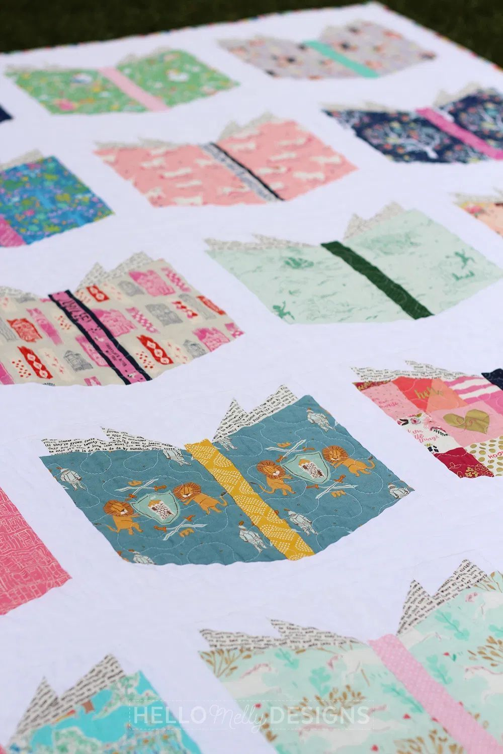 Book Nerd Quilt Sewing Projects For The Home Christmas Craft Ideas Quilts Book Quilt Quilting Crafts