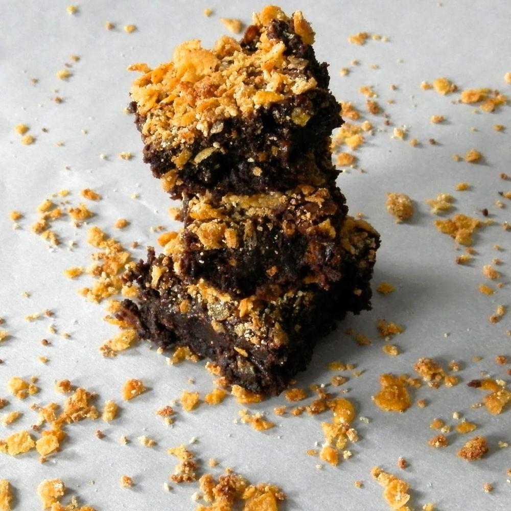 Cornflake Crunch Brownies Brownie recipes, Food drinks