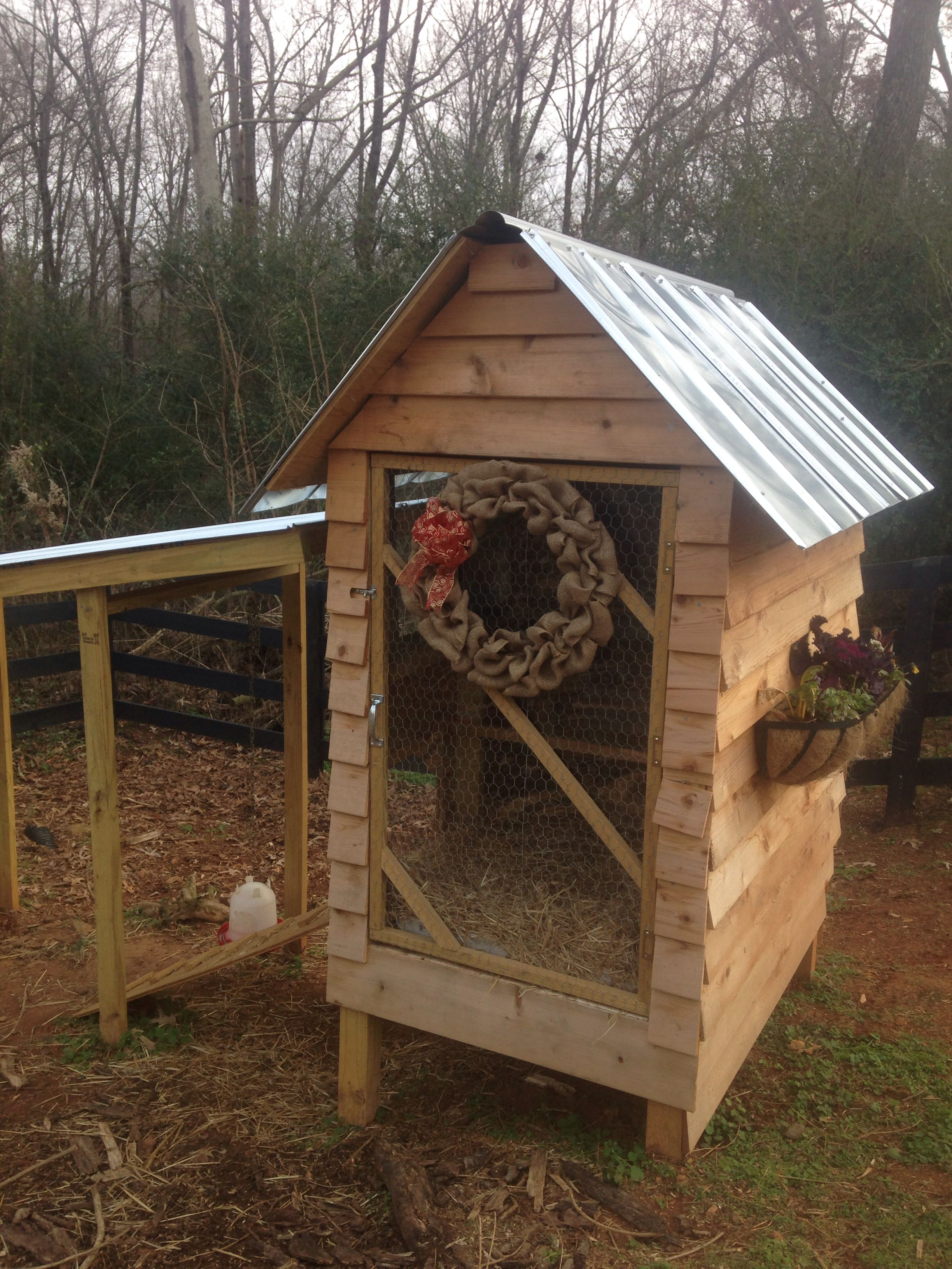 Cutest Chicken Coop Wreath I have seen, can't wait to put ...