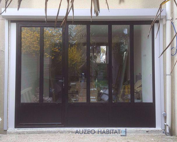Menuiserie En Aluminium Style Atelier Coloris Noir 9005 Mat Fenetres Noires Exterieur Baie Vitree Alu Facade Maison