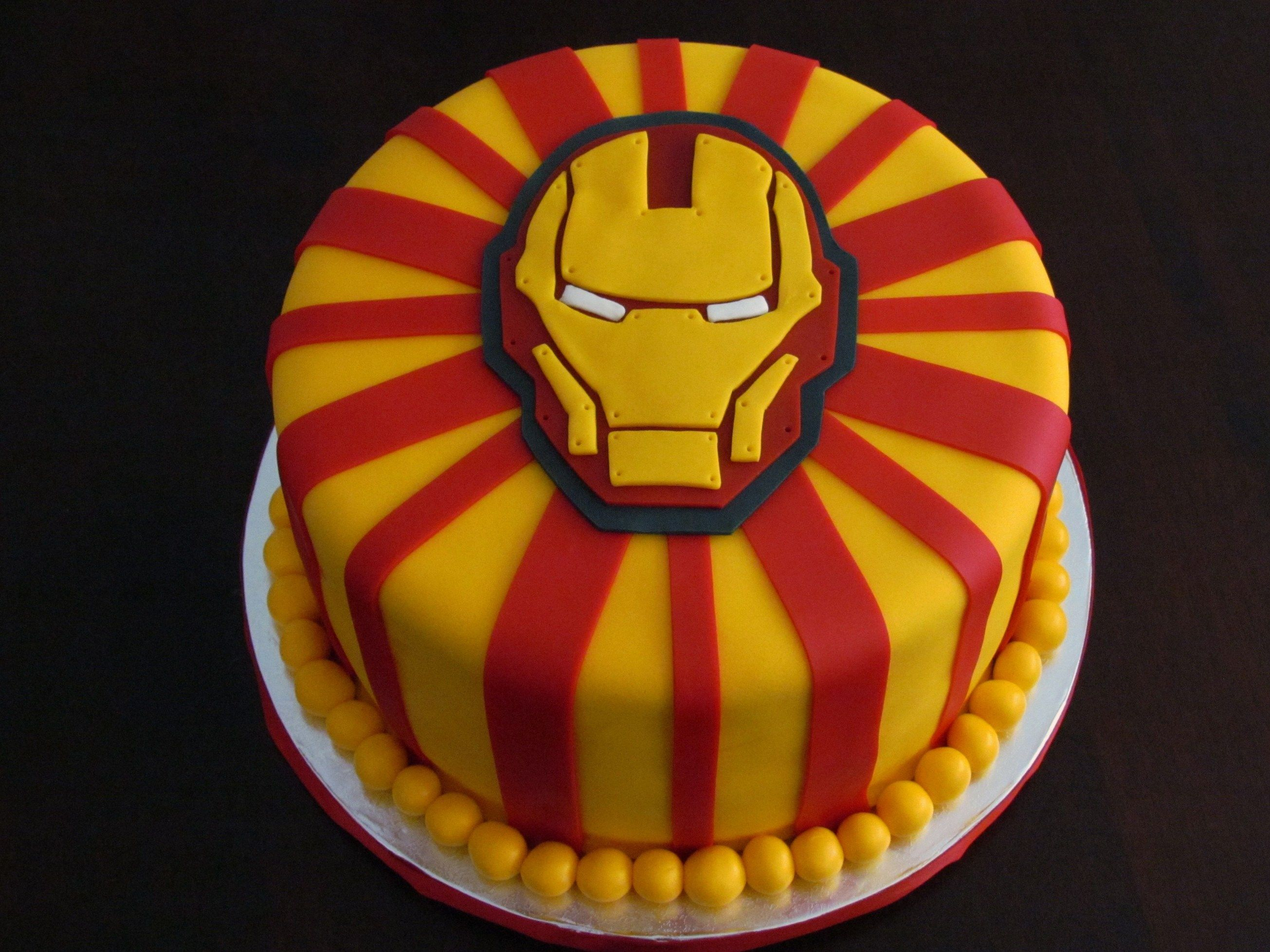 Картинка железного человека на торте
