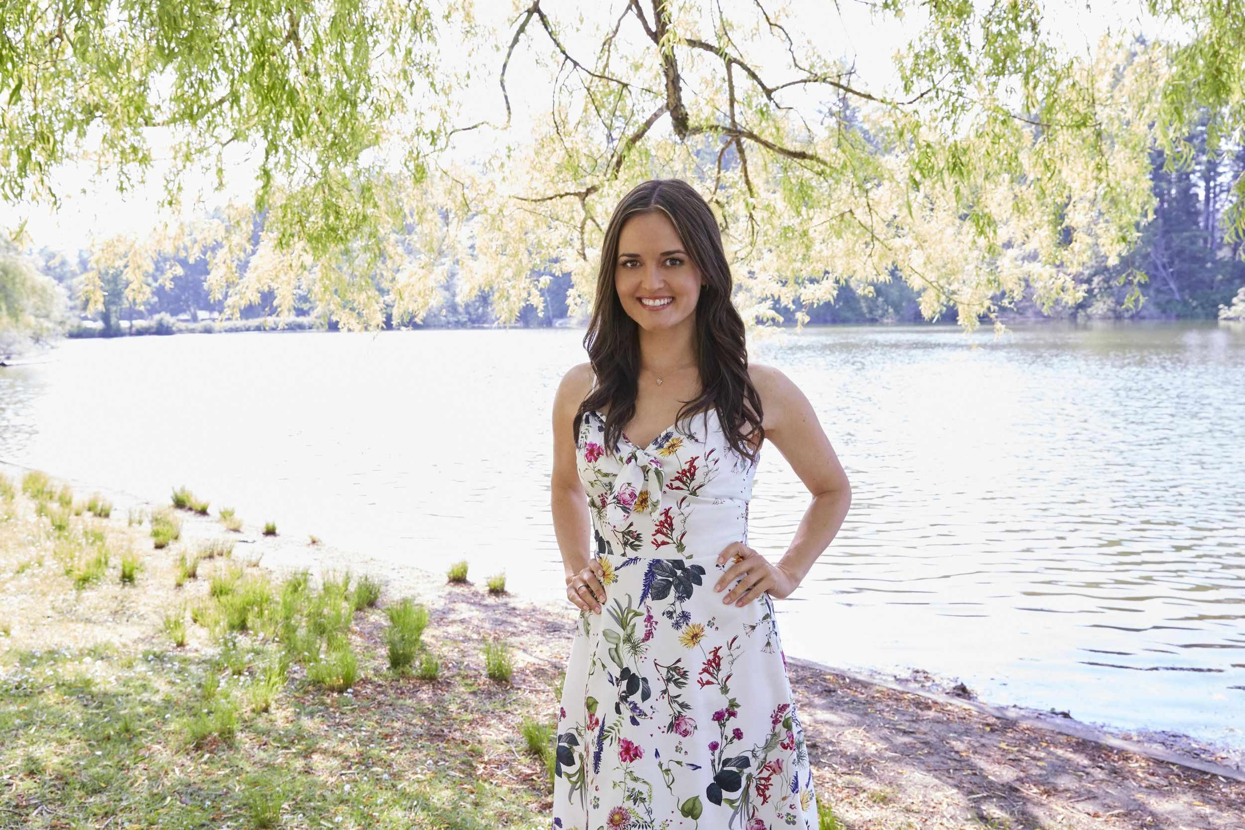 Find Out About The Cast Of The Hallmark Channel Original Movie Love And Sunshine Starring Danica Mckellar And Mark Deklin Danica Mckellar Mckellar Gal Gadot