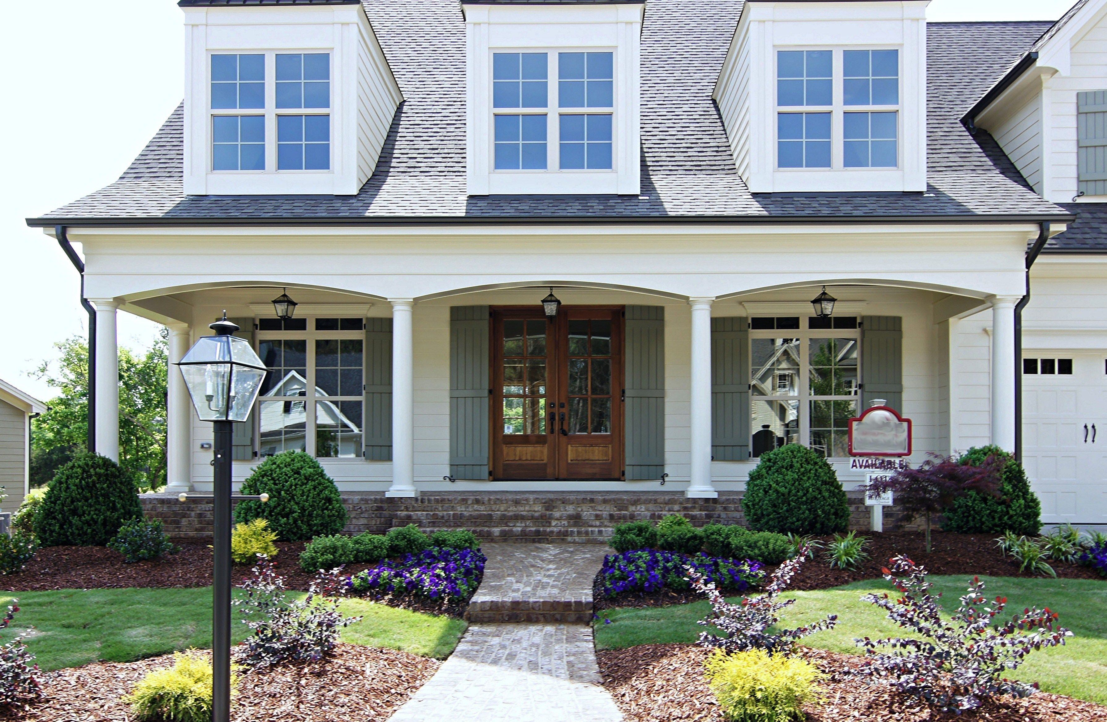 Brick House Front Elevation : Love the colors and elevation of this house also like