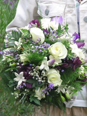 Gaia - bloemdesign met hart en ziel - Photo Gallery bruidsboeket in wit en paars
