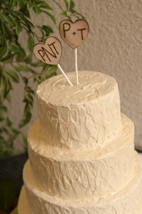 A+M on one and the date on the other? - With the twig heart cake ...