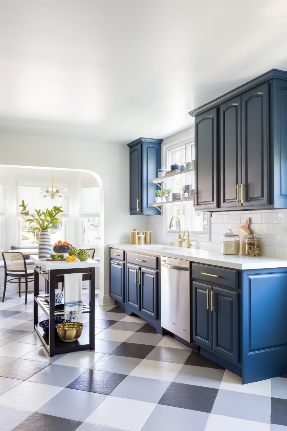 Cue The Color Kitchens That Rock The Rainbow Kitchen Decor