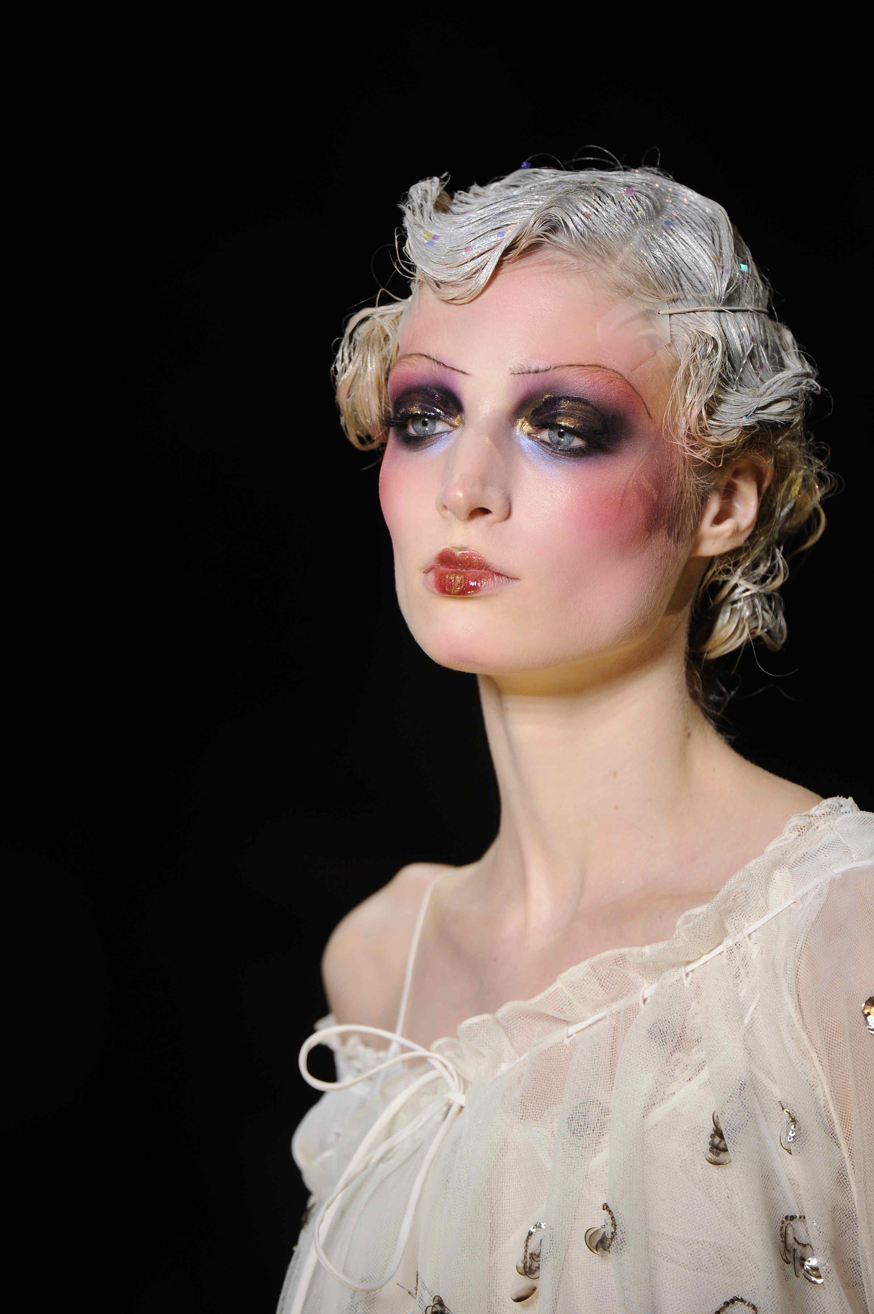 Love this dramatic makeup Runway makeup, Flapper makeup
