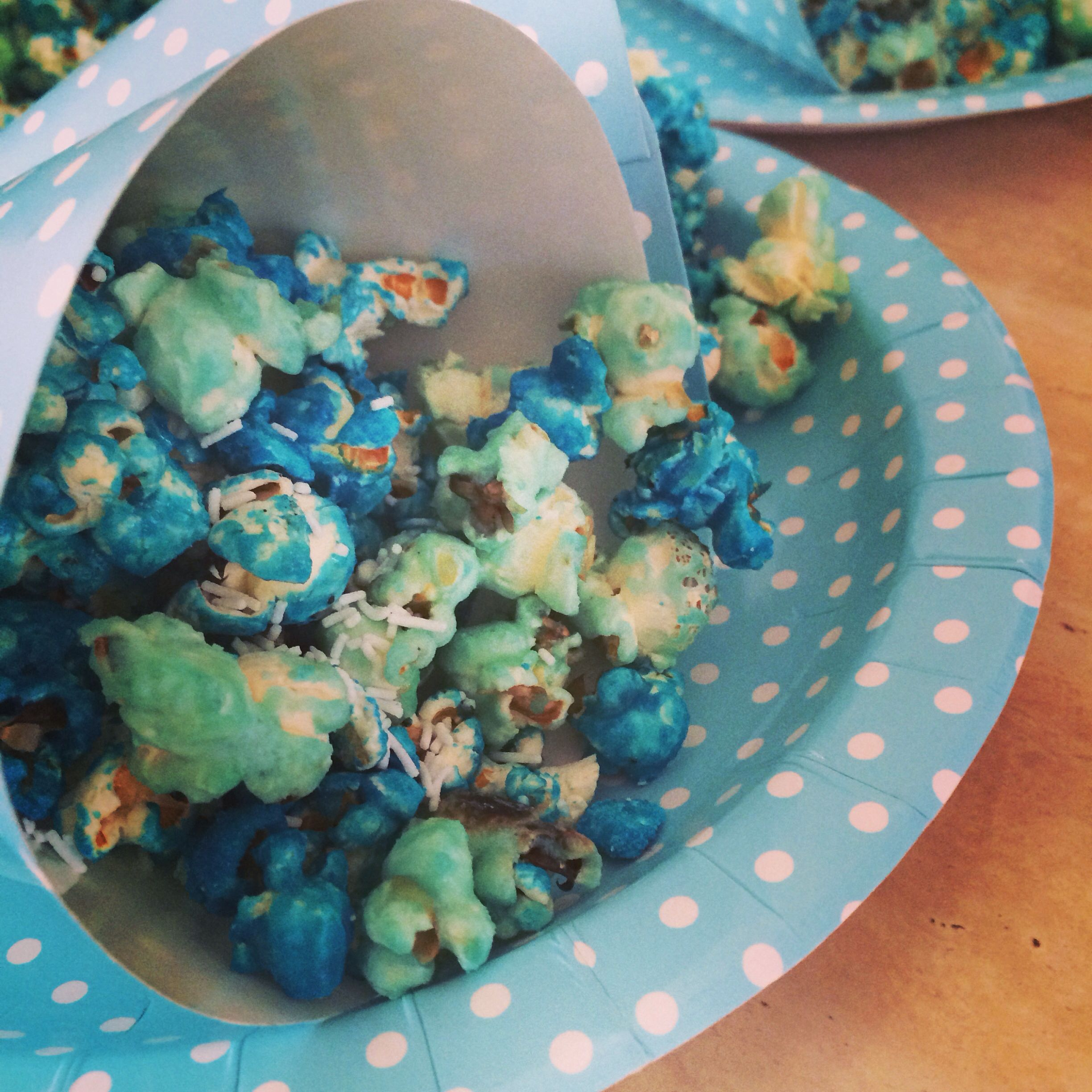 Frozen party food - blue candied popcorn